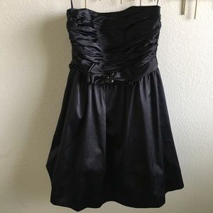 MOVING SALE- Formal LBD, White House/Black Market
